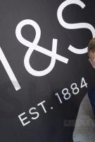 马莎百货老板年赚164.2万英镑 较前任跌20%