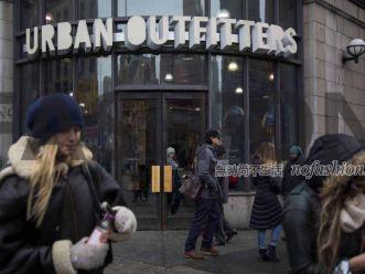 Urban Outfitters圣诞销售放缓 盘后股价急挫10% Ascena同店销售下滑3%