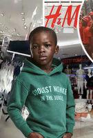 涉嫌种族歧视事件升级 H&M南非门店遭破坏