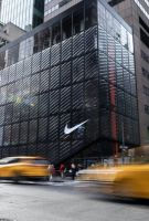 Nike耐克两日反弹6.7% 分析师看好长期前景建议趁低吸纳