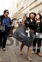 中国消费者连续5个月海外消费下滑 6年来首次