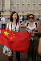 """""""穷人""""出国增多 中国游客11月英国免税品消费增长63% 远低于港台游客"""