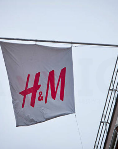 H&M三季度销售胜预期 私有化传闻再起 股价飙升18%创17年最大升幅