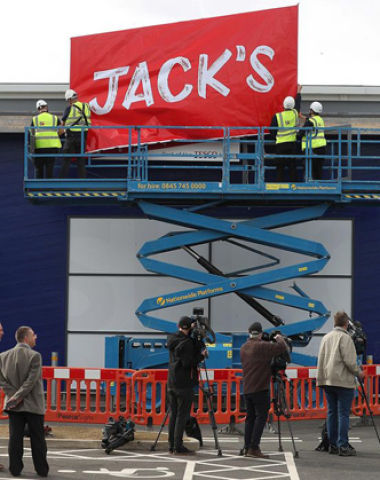 Tesco 乐购推折扣店品牌Jack's 宣战德国超市Aldi 和 Lidl