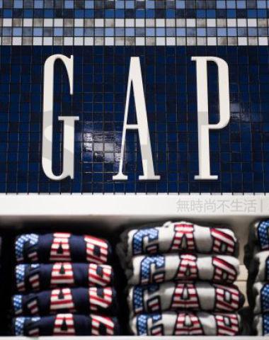 """现代服装行业""""奠基人""""Gap ?#29260;?#27835;疗 盖璞拆分Old Navy 老海军 股价暴涨25%"""